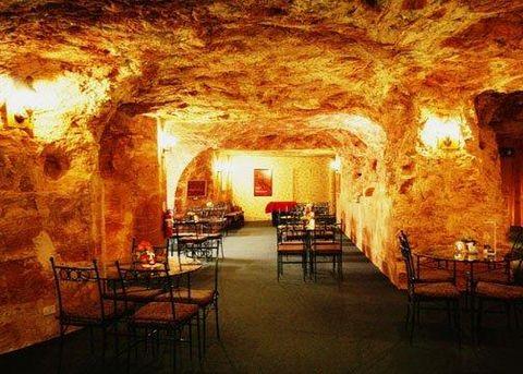 Coober-Pedy-Underground-Hotel 1.JPG