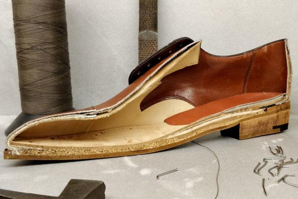 Gaziano & Girling shoe - cut open.jpg