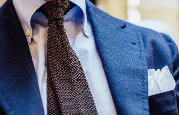 how-to-dress-with-tie-and-handkerchief-580x374.jpg