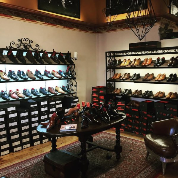 Manfred's shoe lounge - shoes 1.jpg