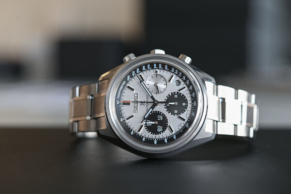 Seiko-Prospex-Automatic-Chronograph-50th-Anniversary-Limited-Edition-SRQ029-1.jpg