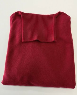 Ballantyne Bordeaux turtleneck 3 ply 1.jpg