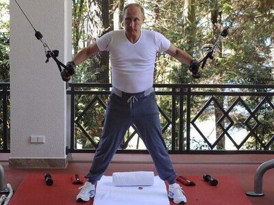 Putin- loro piana tracksuit $3220.jpg