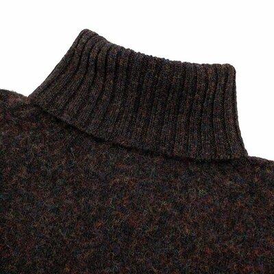 Howlin' turtleneck wool 1.jpg