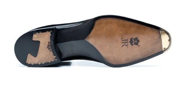 Passus shoes 4.jpg
